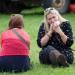 Perth Show…06.08.16 Anywhere will do for lunch Picture by Graeme Hart. Copyright Perthshire Picture Agency Tel: 01738 623350  Mobile: 07990 594431